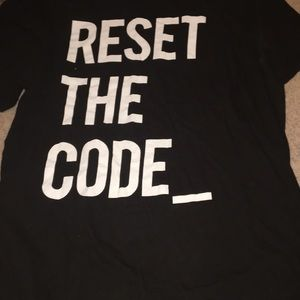 Tops - Reset the code t shirt large